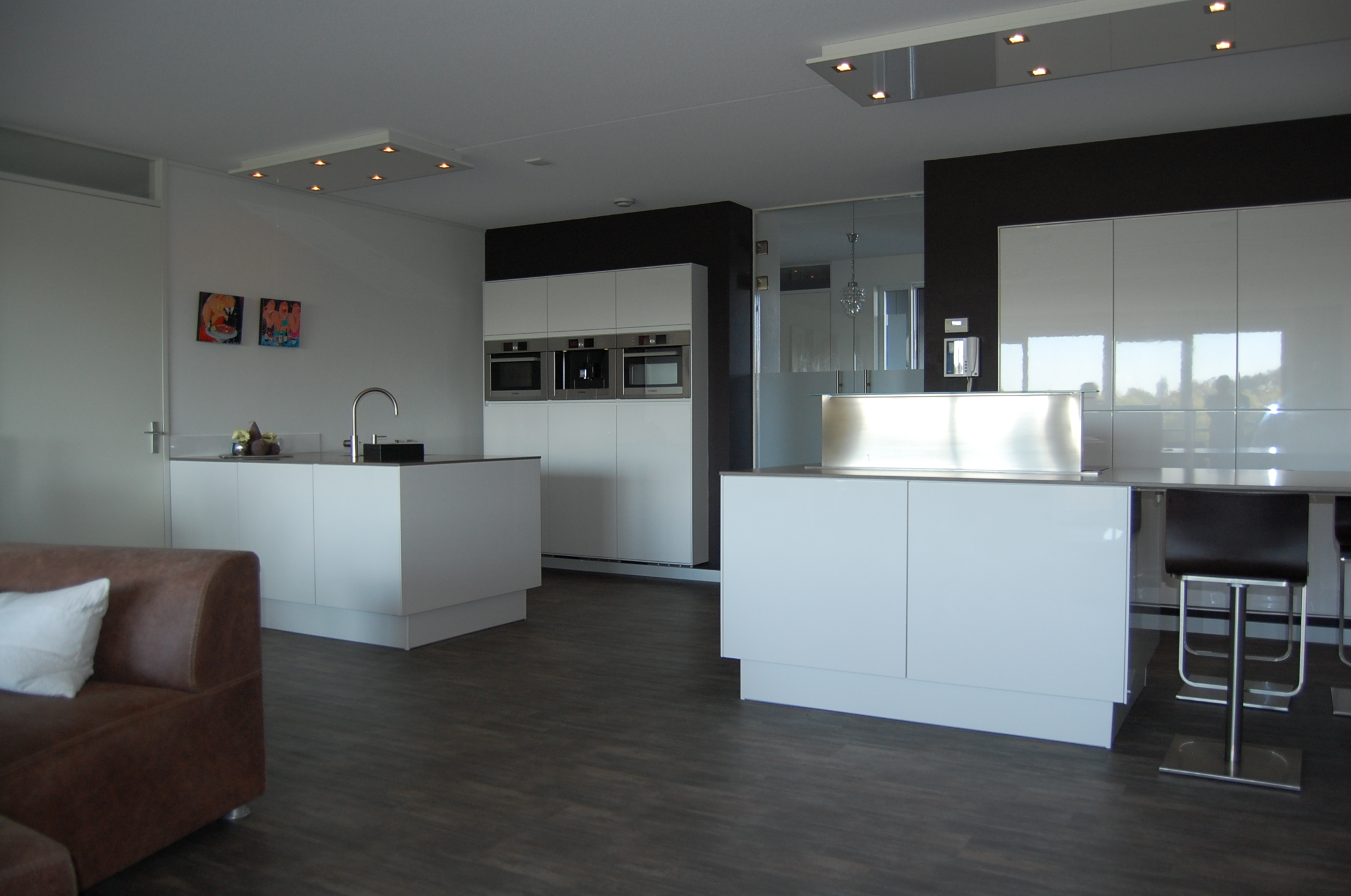 Kleur Muur Hoogglans Witte Keuken : Keukens – HL Keukens en Kasten